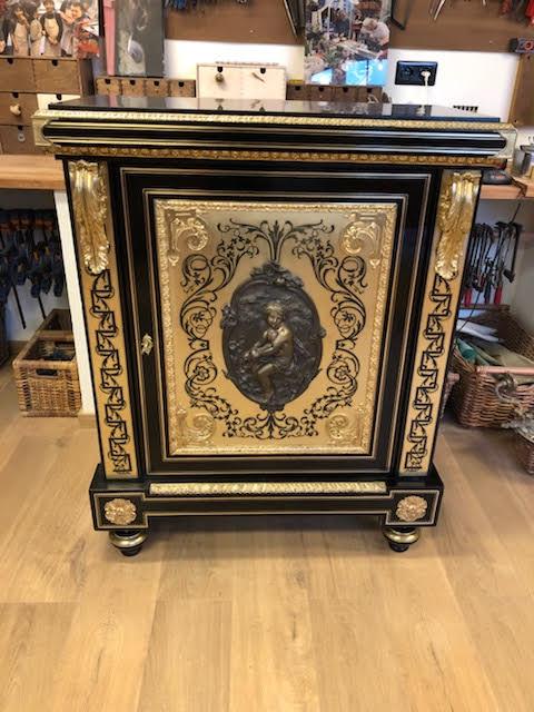 Restauration d'un meuble en laiton - Napoléon III